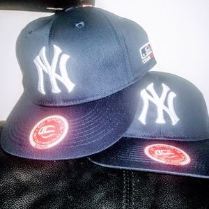 Other - ⚾ NWT! Adjustable Youth Yankees Hats⚾